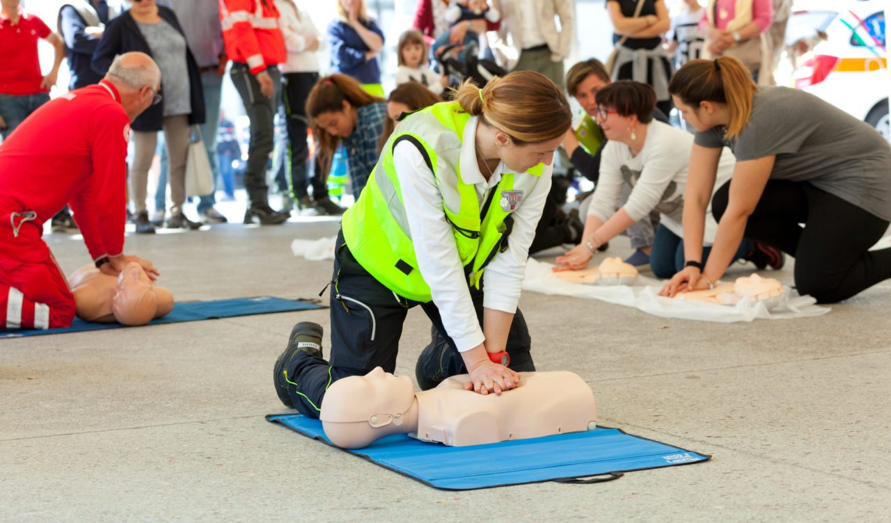 How Knowing Cpr Can Save Lives Canadian Red Cross First Aid And